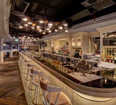 Weslodge-Saloon-JW-Marriot-Dubai-2016-03-1024x614